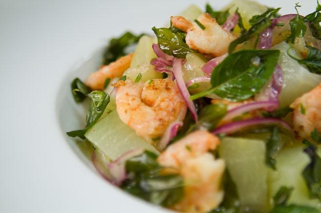 Entrada - Saladinha de chuchu com camarão