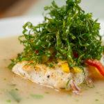 Principal - Filé de peixe ao molho de escabeche